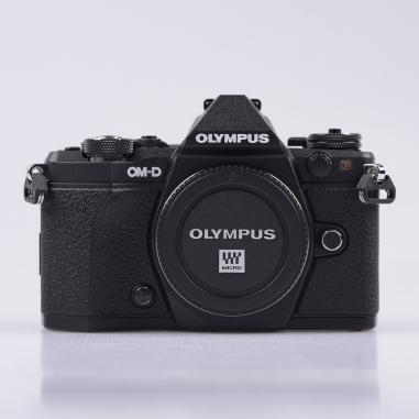 0lympus E-M5 Mark II Body Digital Camera - Black